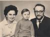 Dina and Vladimir Aks with their kid