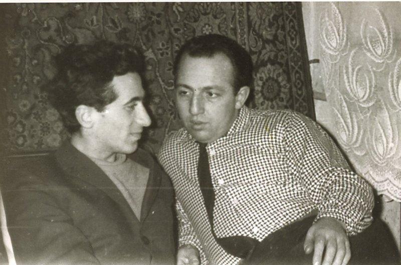 Барух Подольский (слева) в гостях у Давида Хавкина через несколько лет после освобождения, Москва 1967 год. (Архив Хавкина).